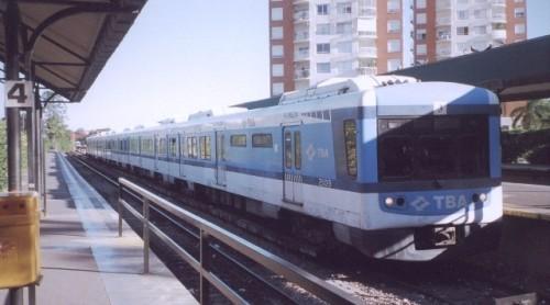 Trem para a Estação Tigre.